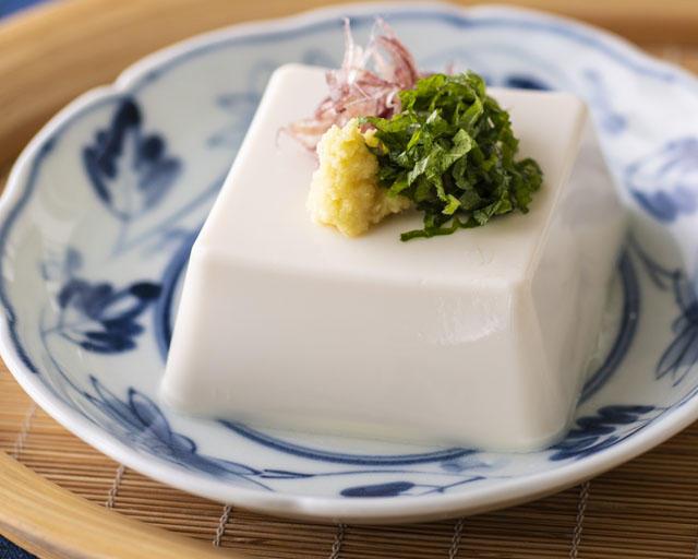 原料に北海道産ユキホマレ大豆を使用 甘みの強さが特徴!