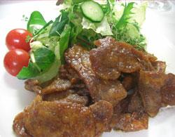 塩麹漬け茶美豚のにんにく生姜ソース