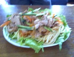 野菜いっぱいの茶美豚パスタ