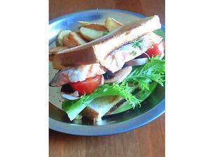 みそソースの銀鮭サンド