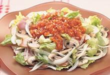 新玉ねぎとマッシュルームのサラダ