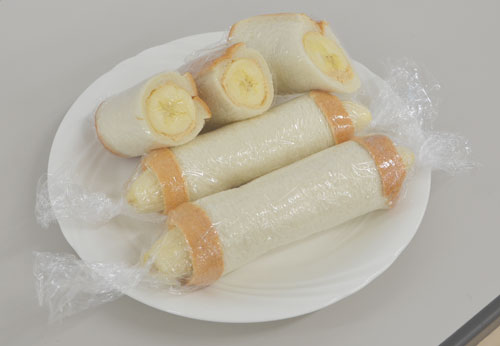 まるごとバナナロールサンド