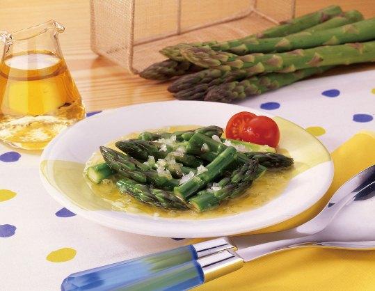 アスパラと玉ねぎのサラダ
