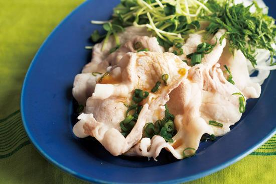 豚肉の冷しゃぶと香味野菜のぽん酢がけ