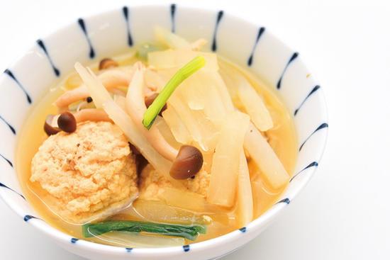 鶏ひき肉とシャキシャキ大根のすき煮