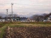 白く薄化粧した奥羽山脈