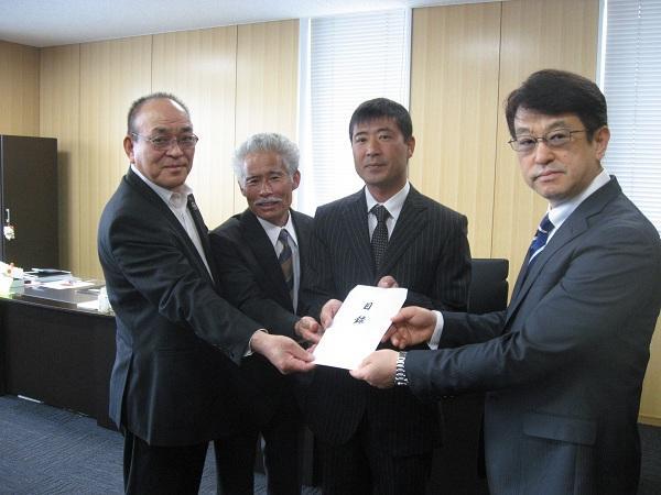 http://www.ucoop.or.jp/shouhin/shoku_shokuryo/sanchi/files/170530_hagukumi1.JPG
